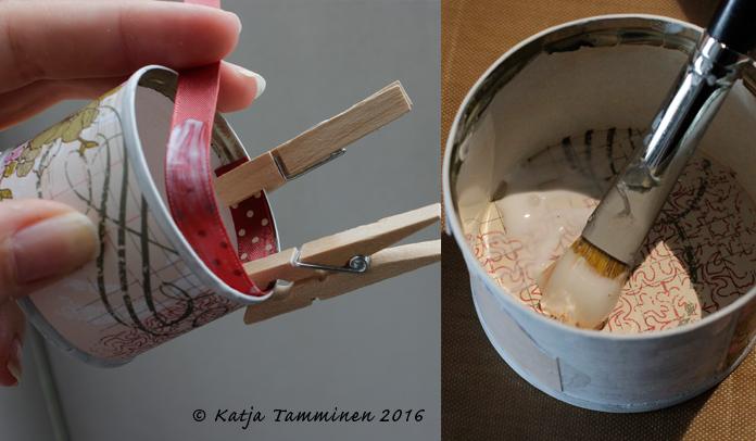 Tuossa on tomaattipyreepurkki ja mini-pyykkipoikia! / Usig mini-pegs to glue the ribbon on the edge.